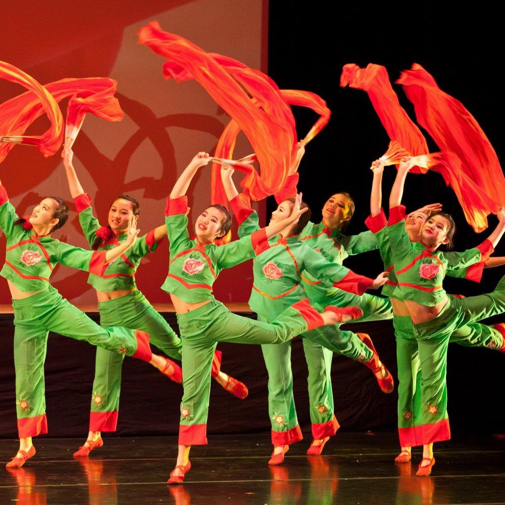 chinese fan dance steps